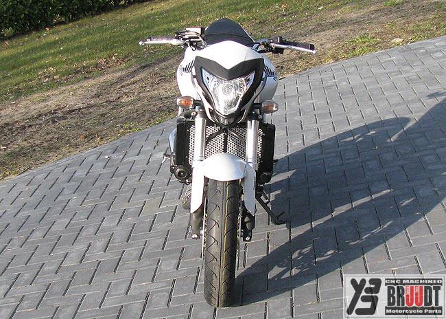 BRUUDT Kühlerabdeckung für Honda CB600 CB 600 F Hornet ab 2007 Schwarz//Weiß